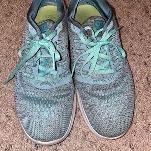 Nike Free Runs 4